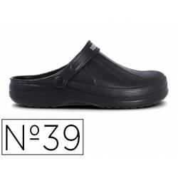 Zueco marca Paredes Color Negro talla 39