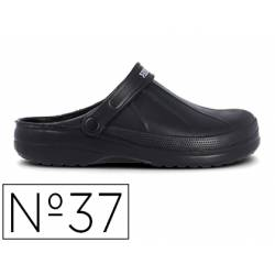 Zueco marca Paredes Color Negro talla 37